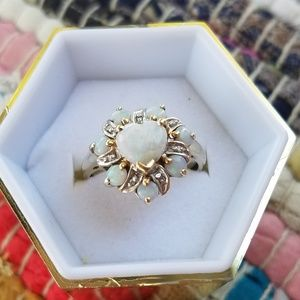 10k vintage genuine opals and diamonds ring
